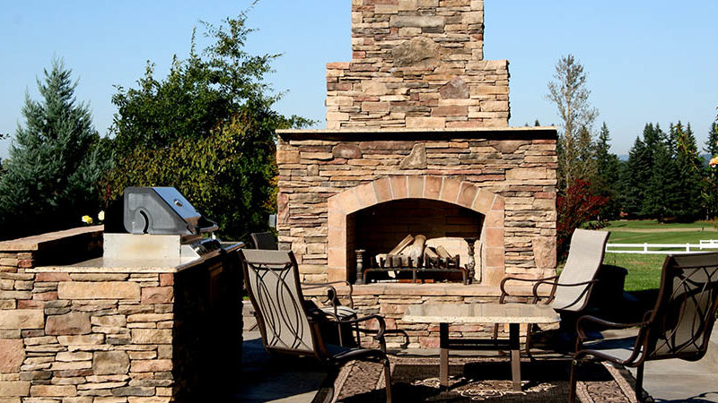 Introduction to stone Outdoor Fireplaces