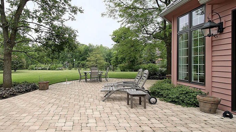 Brick paver patio ideas-can be applied for renovating your house